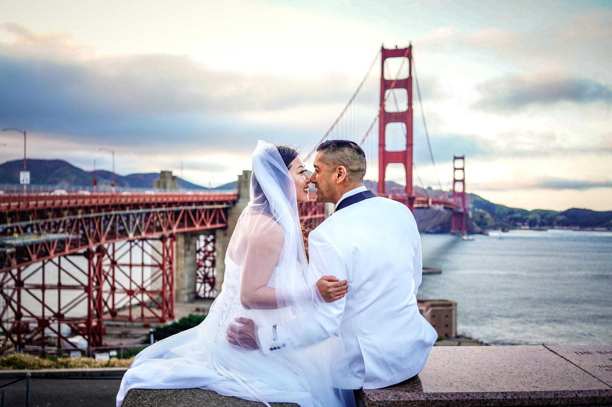San Francisco pre-wedding photography session at the Golden Gate Bridge