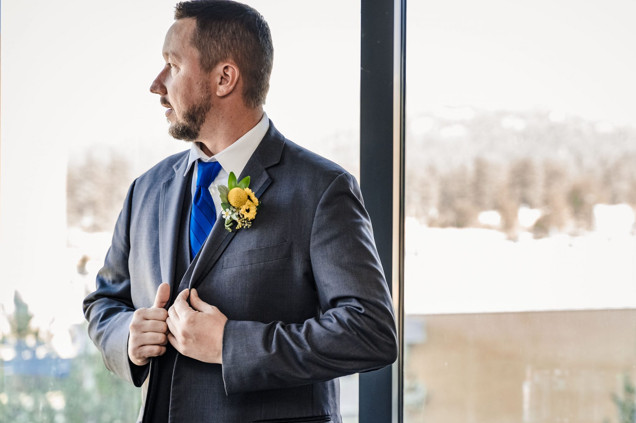 Groom getting ready at Harveys Harrahs wedding in South Lake Tahoe